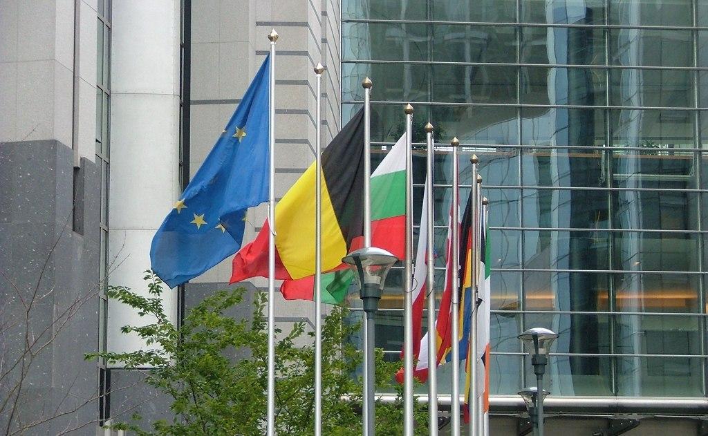Referendum: D'Alema, rischi danni economici dal 'no' sono sciocchezze